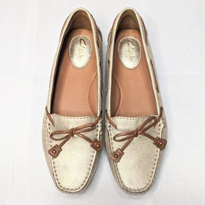 NWOT Clarks Artisan Leather Gold Penny Loafers 6.5